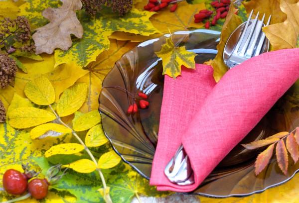 Сервировка стола осенью