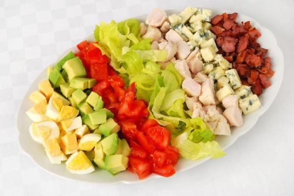 Слоеный Кобб салат на Новый год