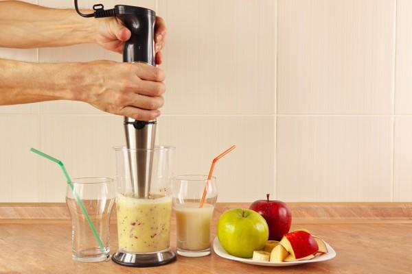 Добавить остальные ингредиенты и взбить до получения однородной массы.
