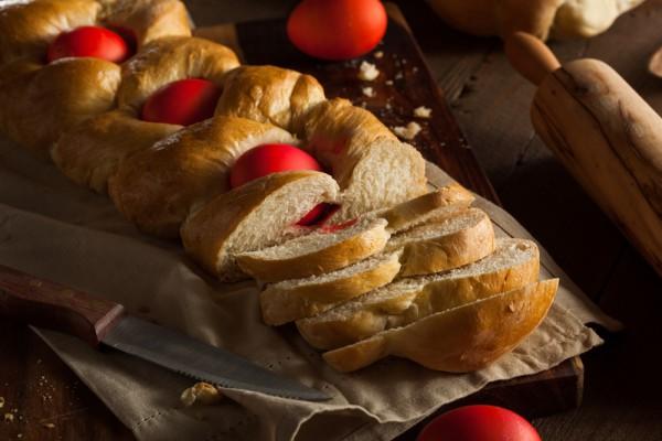 Выпечка на Пасху: греческий хлеб