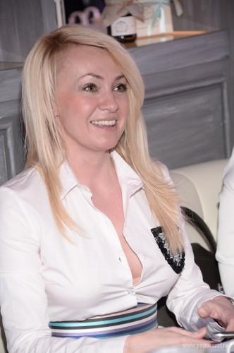 Яна Рудковская показала грудь