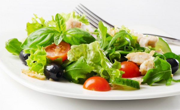 Рецепт                  Пикантный салат с курицей
