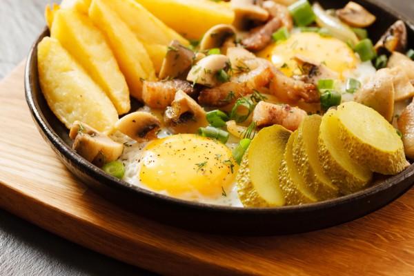Вкусная жареная картошка с грибами