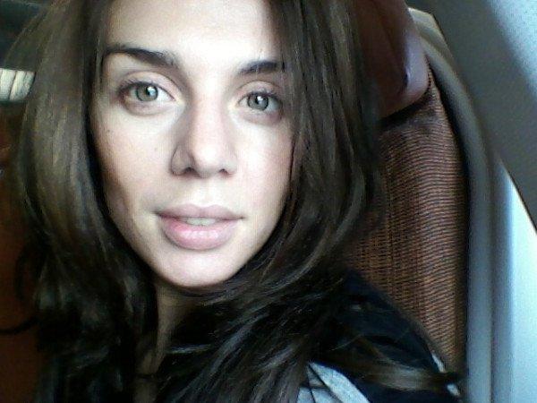 Анна Седокова сама выложила в интернет фото, на котором она без макияжа