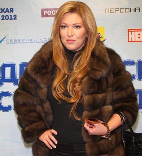Ирину Дубцову поздравили с днем рождения