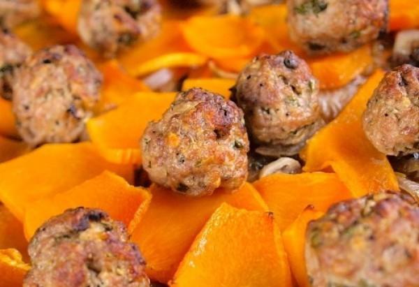 Рецепт                  Тефтели с маринованным луком и тыквой