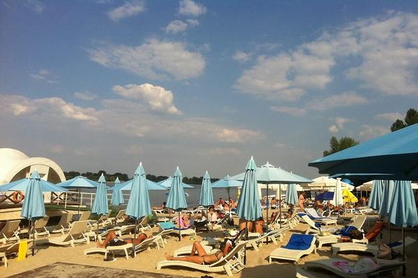 Пляжи Киева: Куда пойти позагорать и покупаться