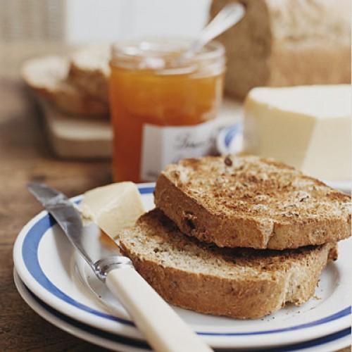 На завтрак отдавай предпочтение продуктам, богатым углеводами