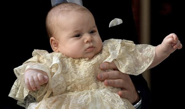 Платье принца Джорджа - копия 172-летнего наряда, который был сшит для первой дочери королевы Виктории в 1841 году