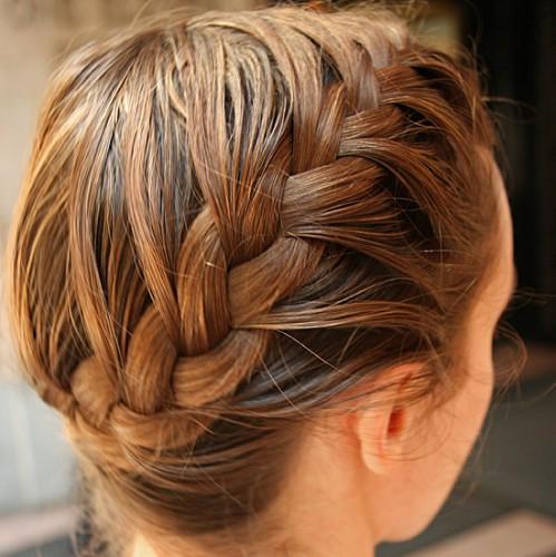 Французская коса сбоку