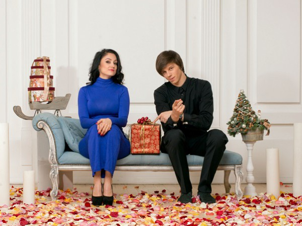 Александр Лещенко уже купил жене платье