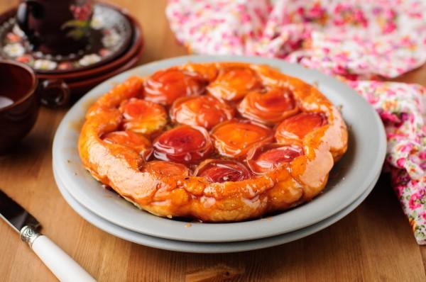 Пирог с абрикосовой начинкой