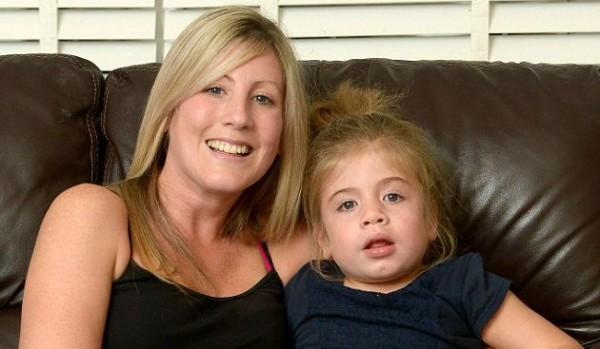 Тилли вместе с мамой Микаэлой