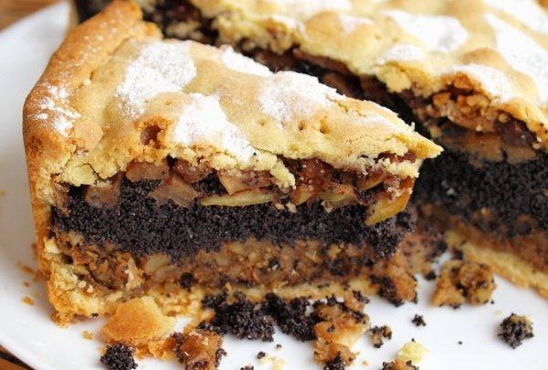 Рецепт                  Пирог с начинкой из яблок, орехов и мака