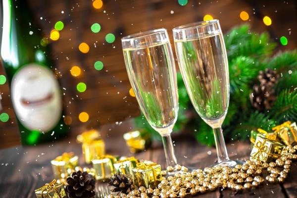 Новогодний коктейль из шампанского