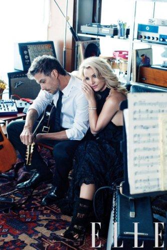 Бритни Спирс и ее жених и продюсер Джейсон Трэвик  в журнале Elle