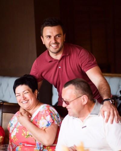 Григорий Решетник с семьей фото