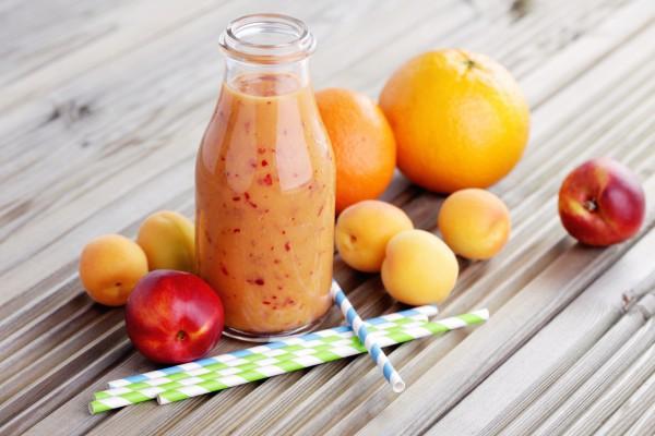 Летний абрикосовый коктейль