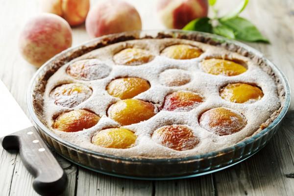 Домашний пирог с персиками