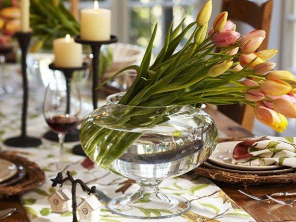 Главные цветы 8 марта - тюльпаны и мимоза, но почему бы не украсить праздничный стол не менее весенними нарциссами?
