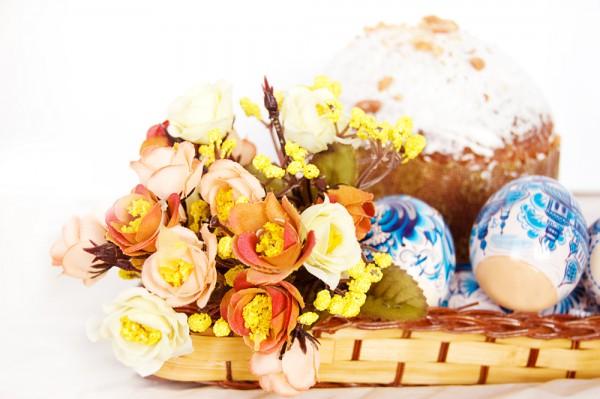 В Чистый четверг принято печь куличи и красить пасхальные яйца.
