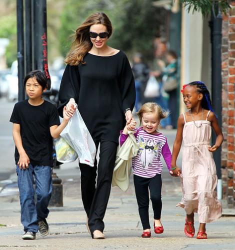 Анджелина Джоли с детками