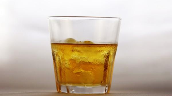 Рецепт                  Яблочный коктейль с виски