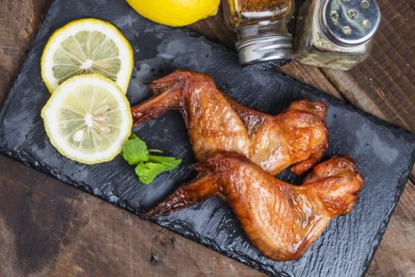 Куриные крылышки на гриле в китайском маринаде