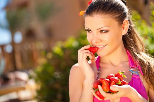 Ягоды лучше не смешивать ягоды с основными приемами пищи