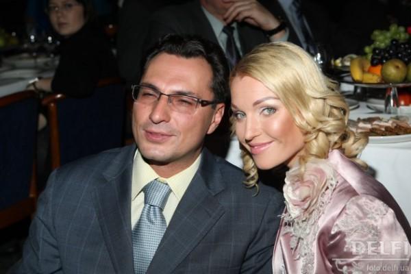 Анастасия Волочкова продолжает выяснять отношения с бывшим мужем