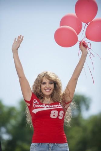 Оксана Марченко отмечает 43-ий день рождения