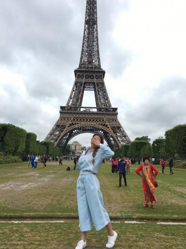 Катя Павлюченко в Париже фото