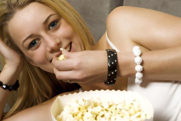 При всей своей полезности попкорн годится в качестве закуски, а не как основной источник питания