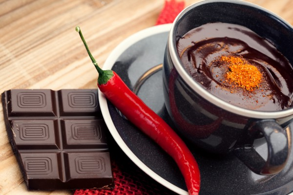Рецепт                  Горячий шоколад с перцем чили и коньяком