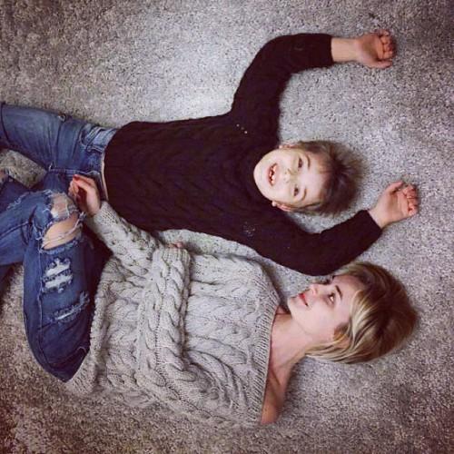 Полина Гагарина с семилетним сыном Андреем