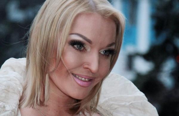 Волочкова возмущена тем, как идет расследование об ограблении ее дома.