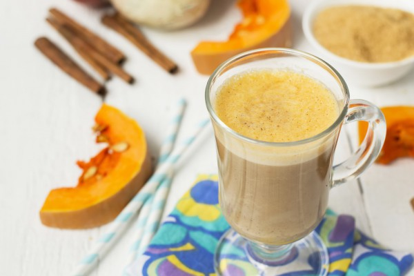 Кофе с молоком и тыквой