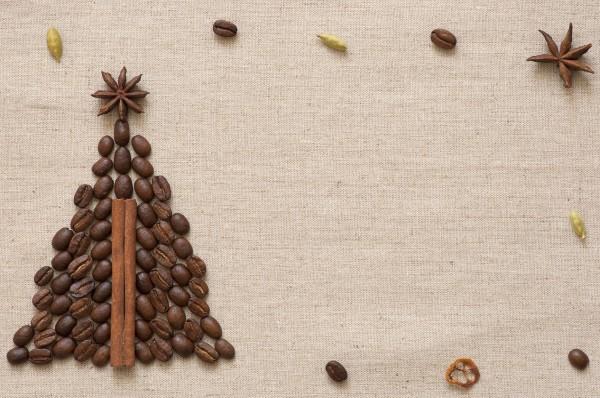 Елочка из кофейных зерен