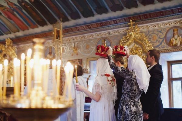 Венчание – это ответственный шаг в жизни пары, которая решается совершить данный обряд, поскольку это признание вашего единства перед лицом Бога