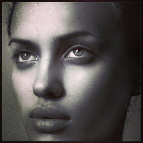 19-летняя Ирина на своем первом модельном снимке