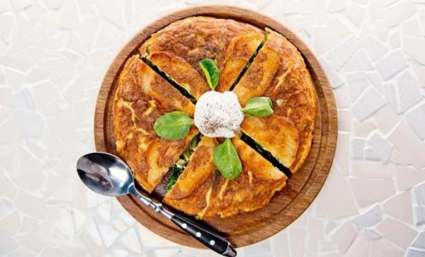 Фриттата на завтрак с зелеными овощами