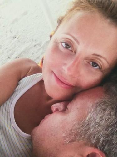 Леонид Агутин показал фото своей жены Анжелики Варум без макияжа