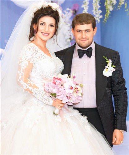 Свадьба Жасмин с бизнесменом Иланом Шором состоялась в 2011 году