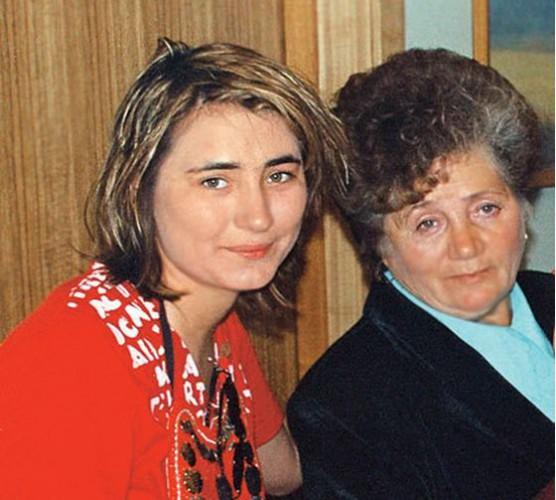 Земфира с мамой