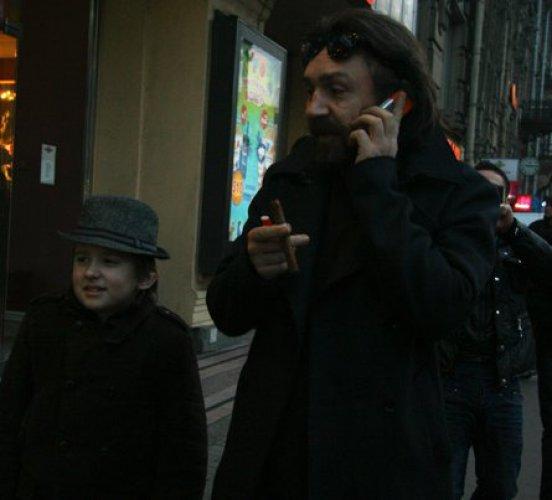 Сергей Шнуров с сыном Аполлоном