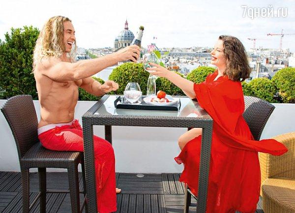 Тарзан повез Наташу Королеву в Париж отмечать ее день рождения