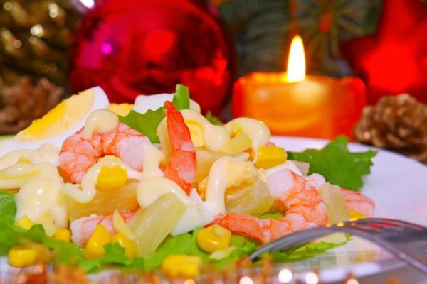 Новогодние салаты лучше готовить из легко усваиваемых продуктов