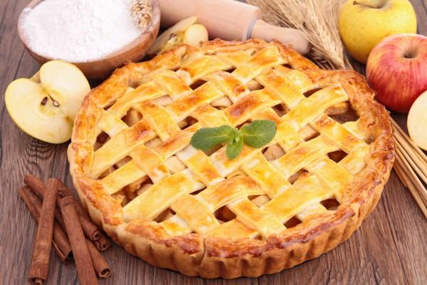 Пирог с яблочной начинкой