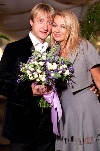 Влюбленные на празднике, посвященном годовщине своей свадьбы (2011 год)