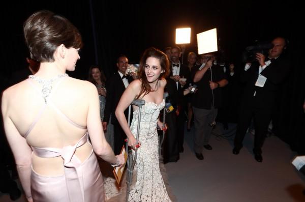 Кристен Стюарт травмировала ногу перед церемонией Оскар 2013